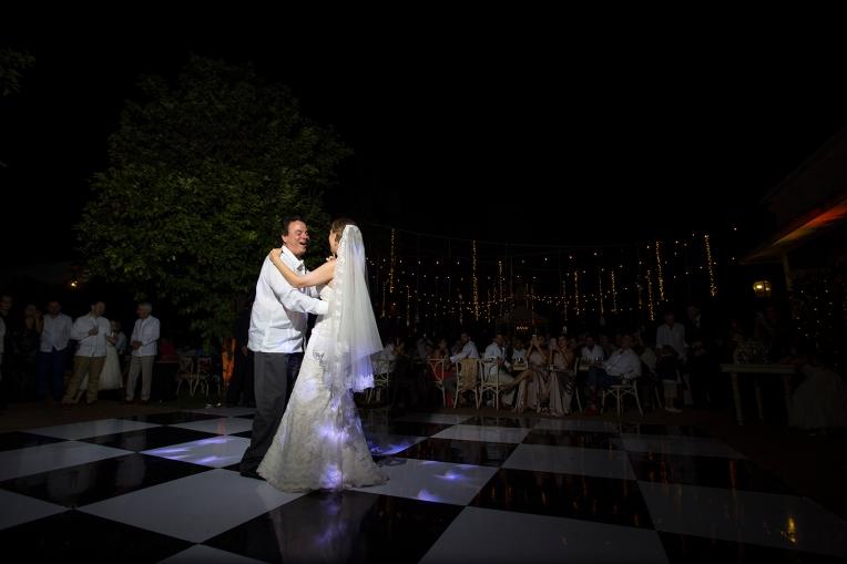 Maria & RodrigoBaja Resolución359